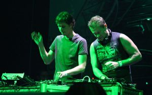 Cosmic_Gate_(Melbourne_2006)